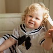 Barnefoto av en jente fra Kodal