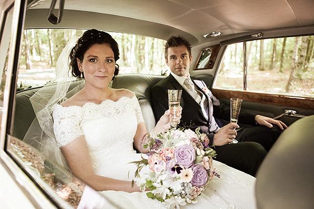 Brudeparet kjørte Rolls-Royce etter vielsen