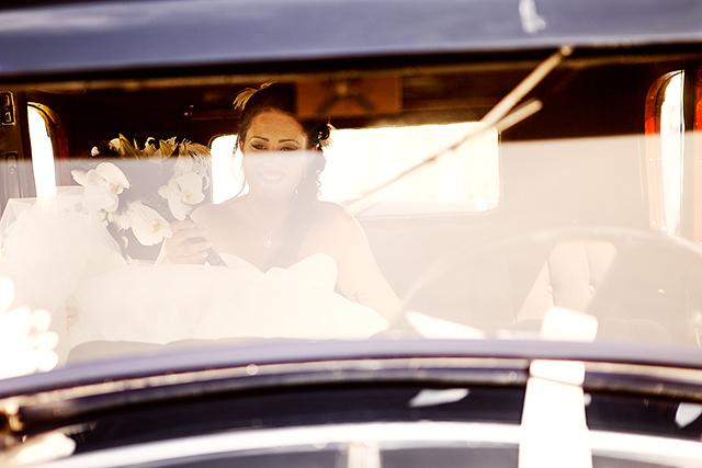 Elisabeth komme til Skattkammeret i en flott veteranbil