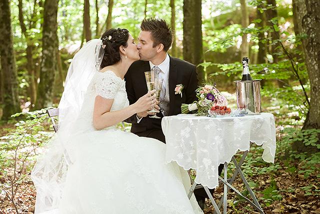 jordbært, champagne og et lite kyss
